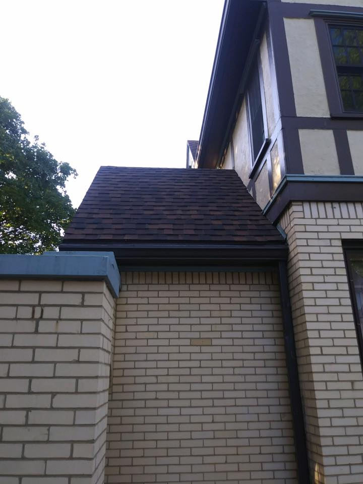 Roofing Gallery House 104 Pic 3